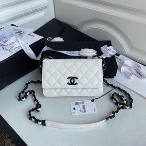 Luxury white chanel Bag.